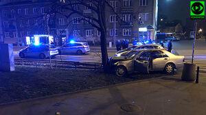 Nocny pościg na Grochowie. Trzej policjanci ranni