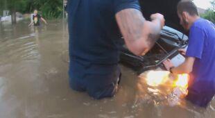 W Gorzowie Wielkopolskim woda zalała samochody
